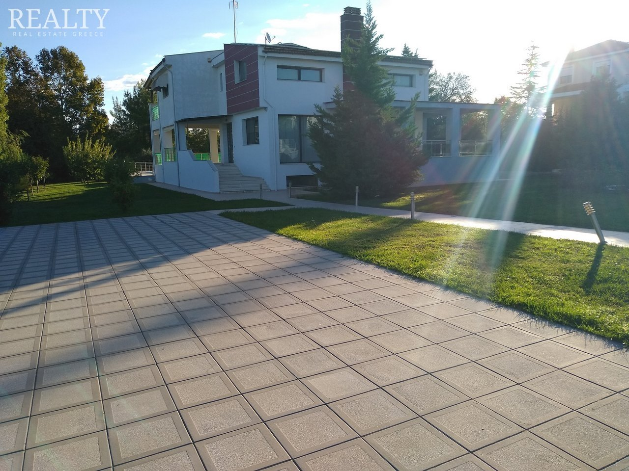 SINGLE FAMILY HOUSE WITH LAND for Sale - THESSALONIKI EAST SUBURBS